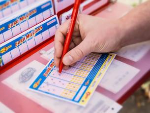Как выиграть в лотерею и не отдать всё налоговой