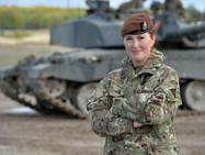 Женщинам-военнослужащим армии Швейцарии разрешат носить женское белье