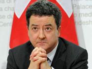 """Экс-посол Швейцарии в России привился вакциной """"Спутник V"""""""