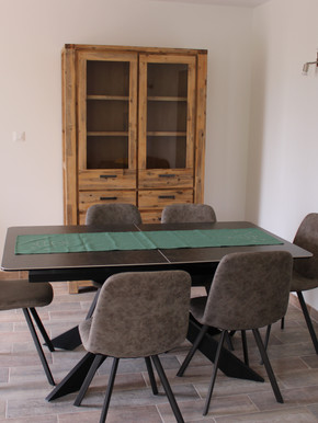 la table à manger pour 6 personnes