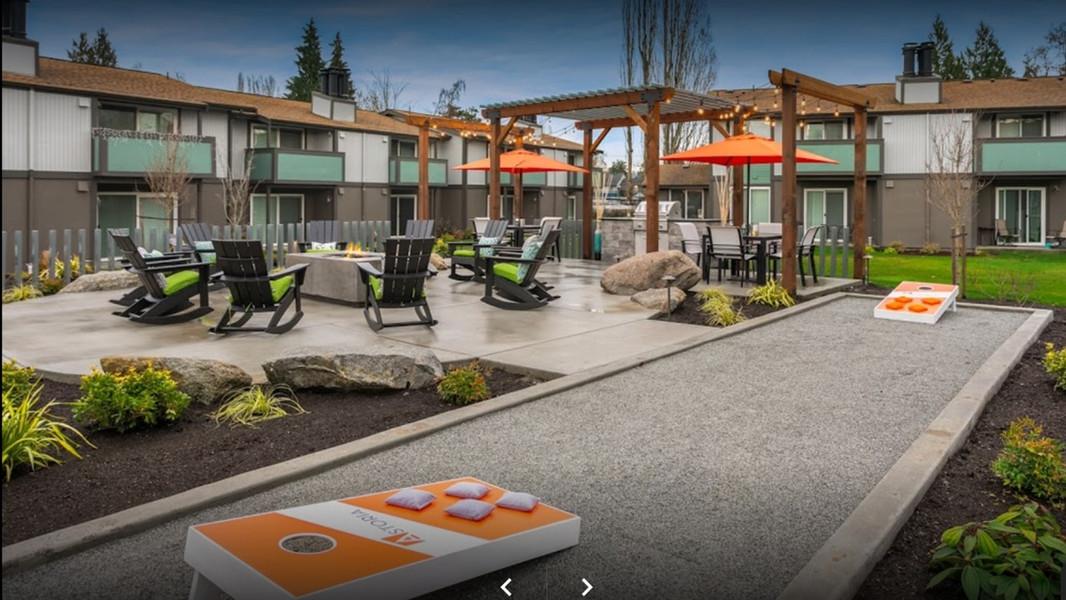 Astoria BBQ Courtyard - Fife, WA