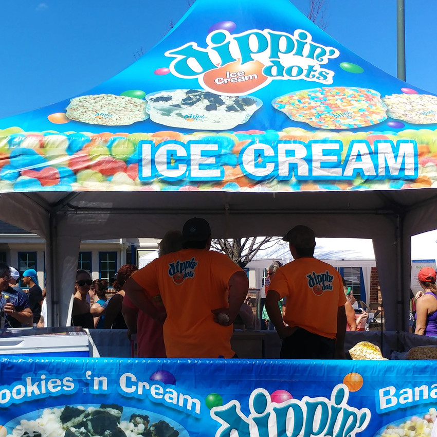 Dippin' dots stand