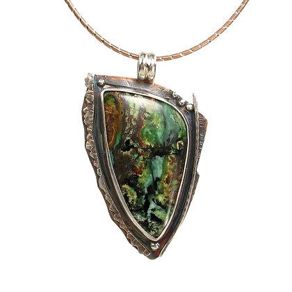 Green Serpentine Tenorite 'Wood Falls' Pendant