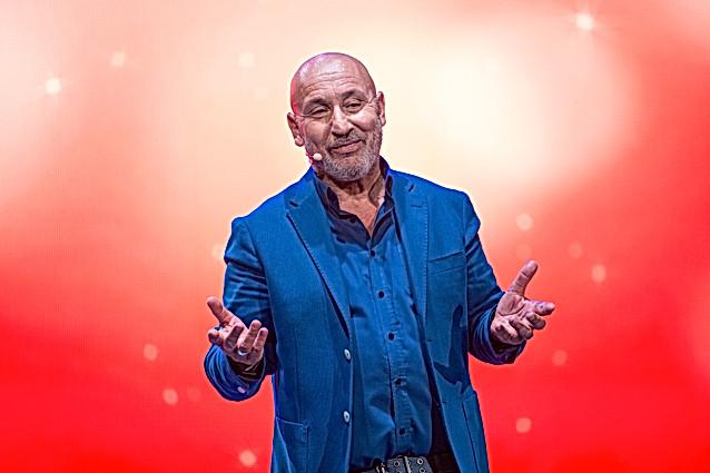Maurizio Battista. © 2017 Caruana
