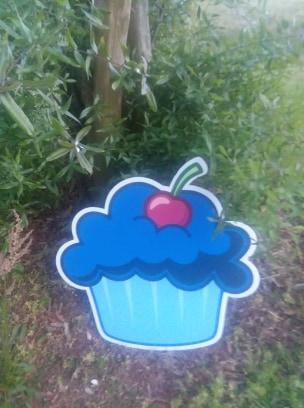 blue cupcake.jpg
