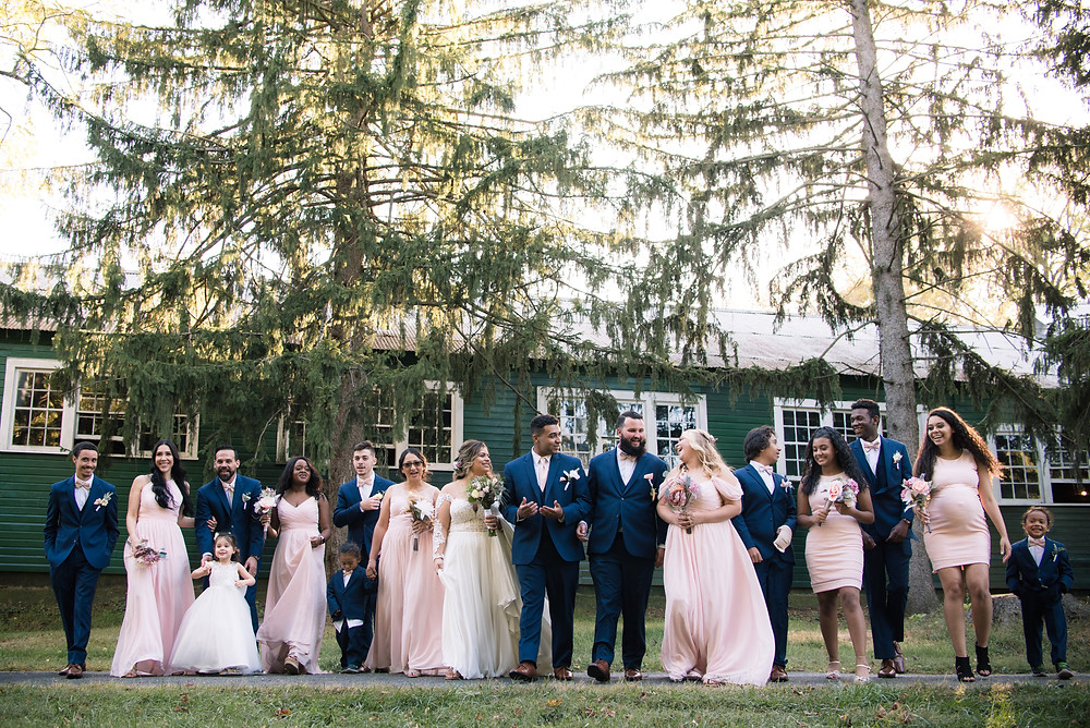 delaware bridal party portraits candid figure eight barn