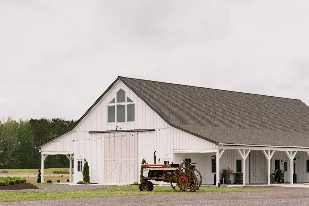 Rustic Maryland Barn Wedding Venue with many ceremony options