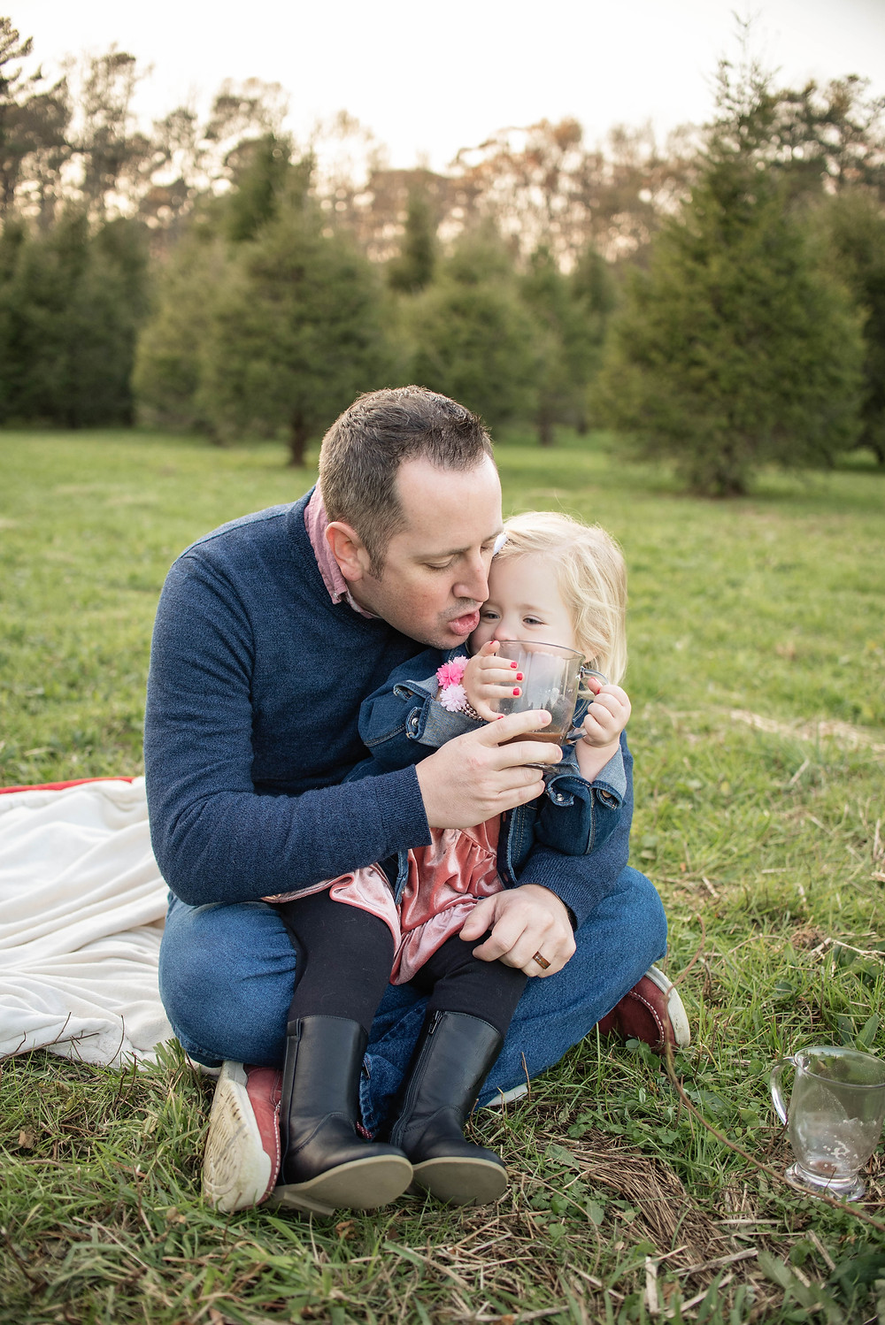 Daddy daughter tree farm family photography hot cocoa
