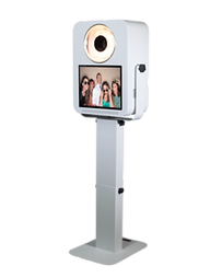 hoot-booth-photo-booht-240x300-2.png