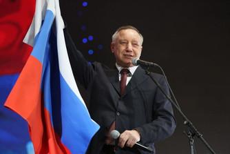 Александр Беглов обратился к петербуржцам с поздравлением