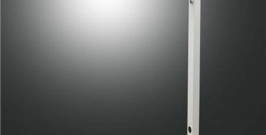 Filigrane lichtstarke Schreibtischleuchte in schwarz oder weiss