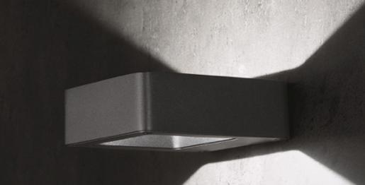 Formschöne Aussenwandleuchte aus Aluminium Druckguss