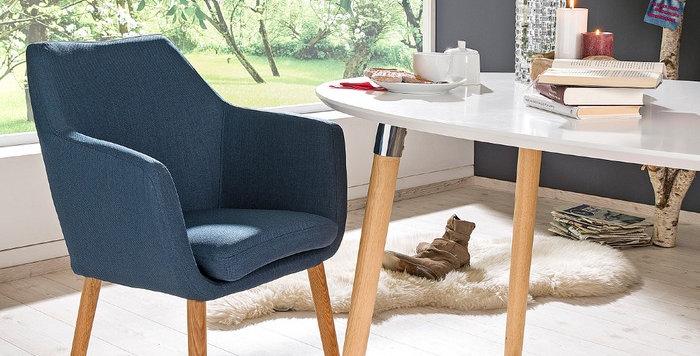 Schicker und gemütlicher Stuhl - in Stoff blau
