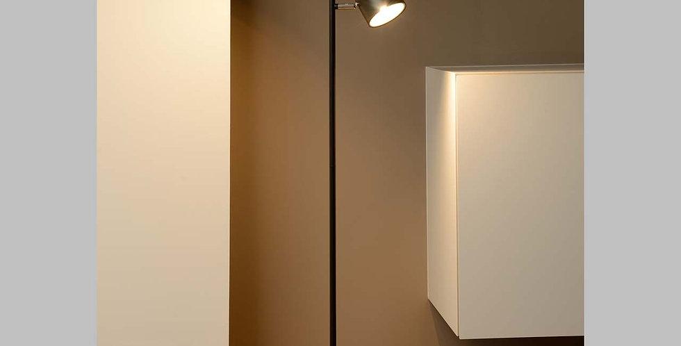 LED Stehleuchte in matt schwarz oder weiss