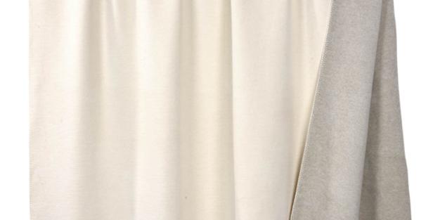 Kuschelige hochwertige Decke - hellgau/beige
