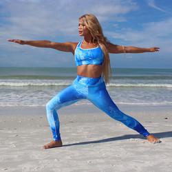 elle_ocean_sports_bra_and_leggings_5_84d