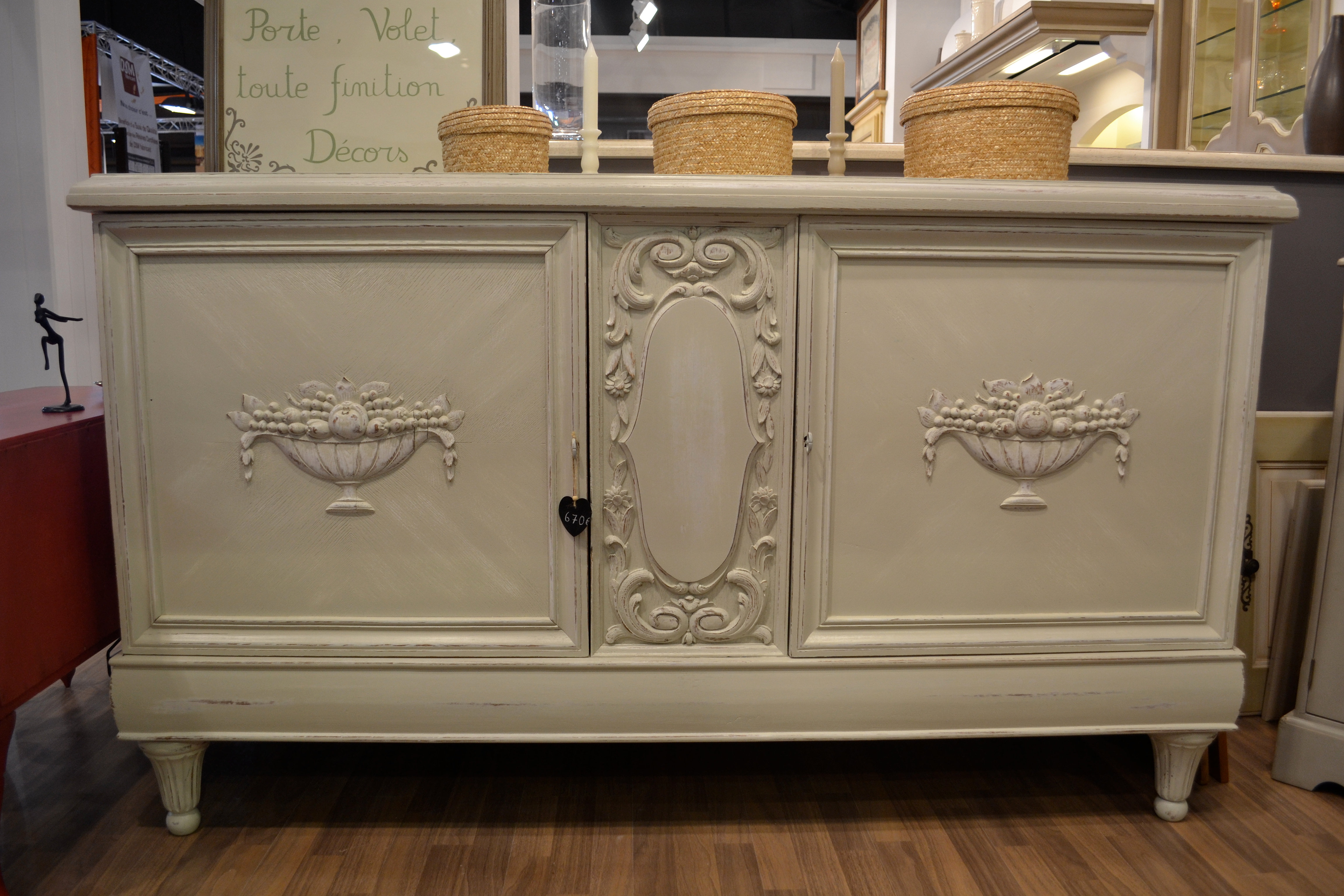 latest bahut ancien with meuble cuisine ancien. Black Bedroom Furniture Sets. Home Design Ideas