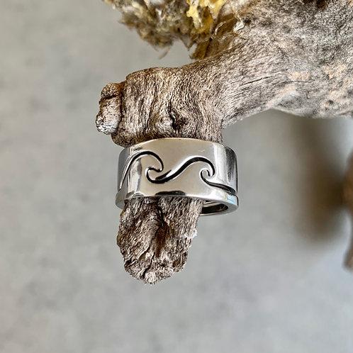 Yin and Yang Wave Ring