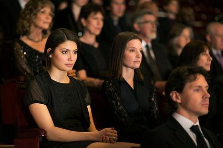 люди watchng шоу