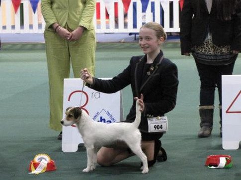 Evie coming 3rd in the handing
