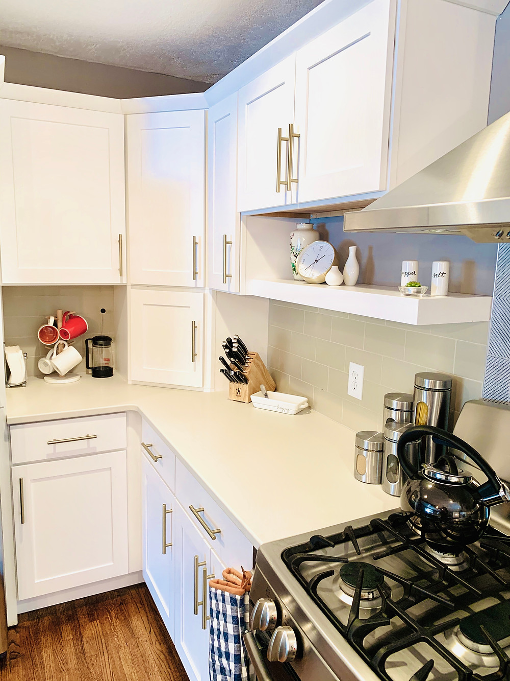 Appliance Garage | Pinnacle Interior Designs