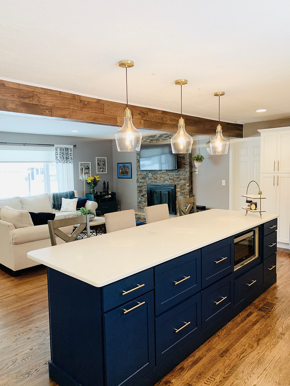 Kitchen into Living | Pinnacle Interior Designs