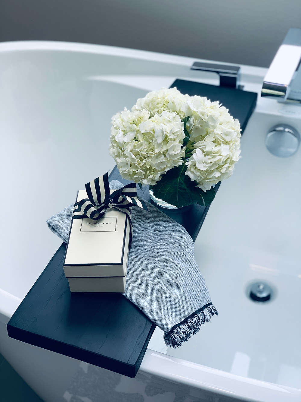Modern Master Bathroom | Pinnacle Interior Designs