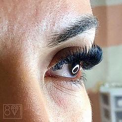Stunning full lush lashes! Book your app