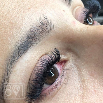 801 Beauty, Lashes that whisp you away