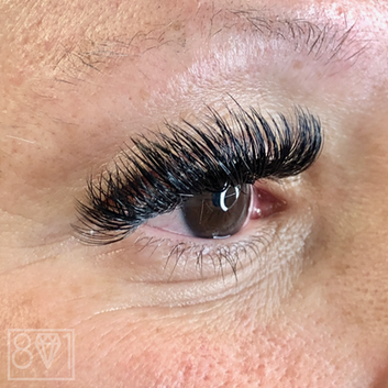 801 Beauty / We love Lashes!
