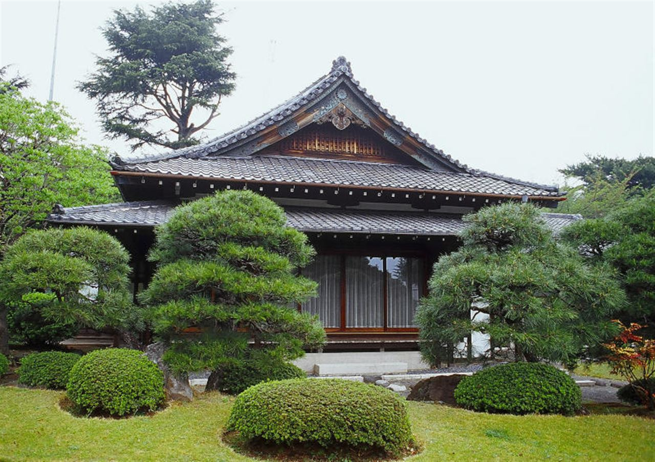 61317844.TypicalJapanesehouse.jpg