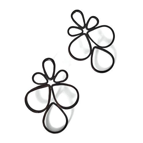 Pipe Petal Stud Earrings
