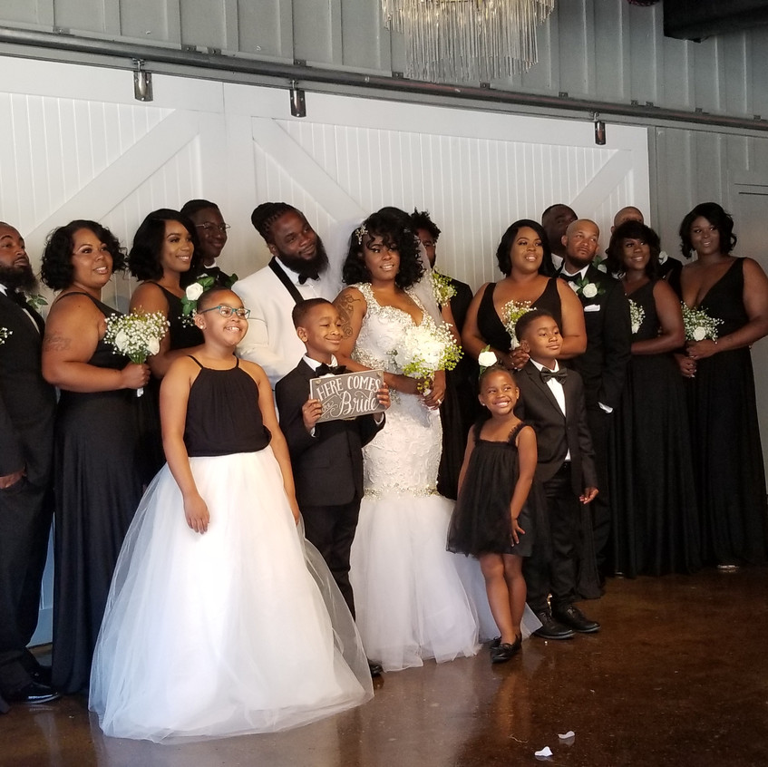 The bridal party wore black & white