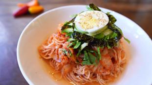 Spicy Mixed Noodles (Bibimguksu 김치비빔국수) Kimchi Noodles Recipe + Mukbang 비비바락 국수 양념장 초간단 (キムチ麺)