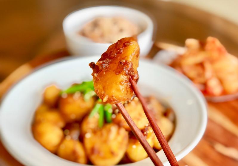 Braised Potatoes In Soy Sauce (Gamja-Jori 감자조림)