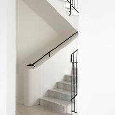 מדרגות מולה לבן