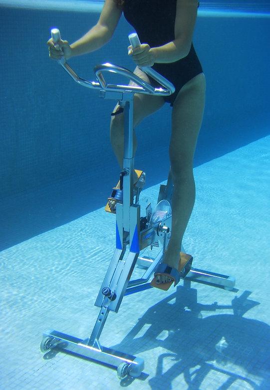 WaterRiderPiscine-aquabike-manosque.jpg