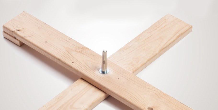 Stort trækryds juletræsfod (225-300 cm)