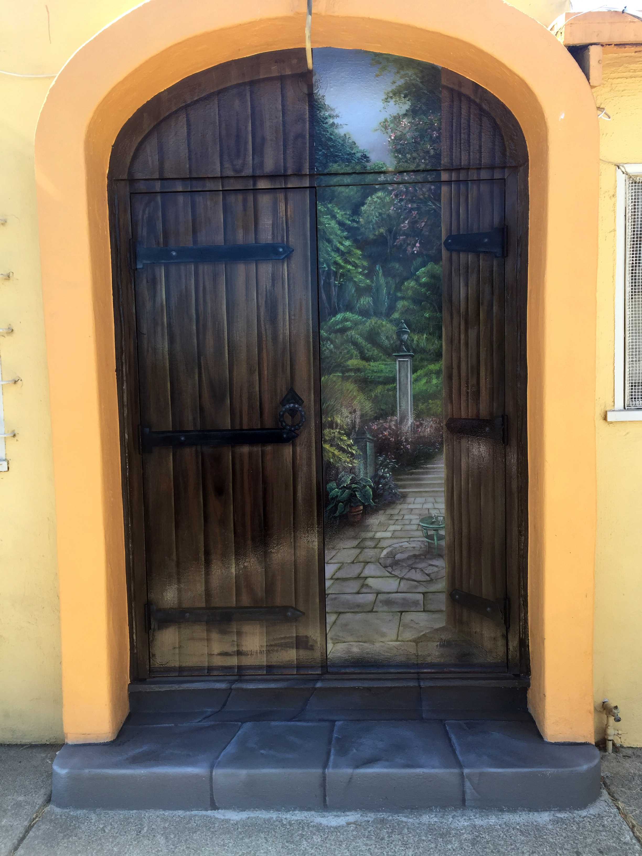 galileo club door