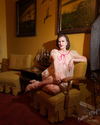 Bettina May in Office Girl