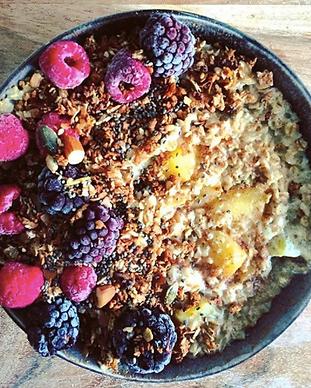 Berry adaptogenic overnight oats recipe.