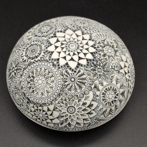 """Boite-galet """"Absolue 7"""" Porcelaine"""