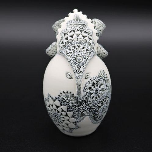 """Sculpture """"CH'ASKA"""" Collection """"Divinité"""" Porcelaine"""