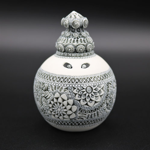 "Sculpture ""TIRAWA"" Collection ""Divinité"" Porcelaine"
