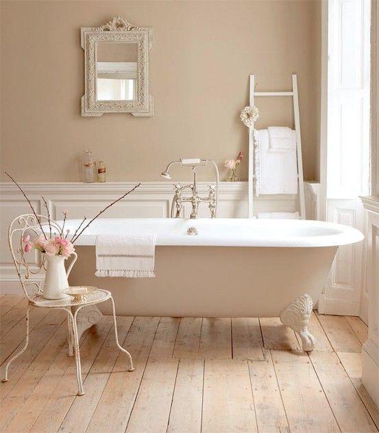 come-arredare-un-bagno-moderno-idee-e-soluzioni-romantico