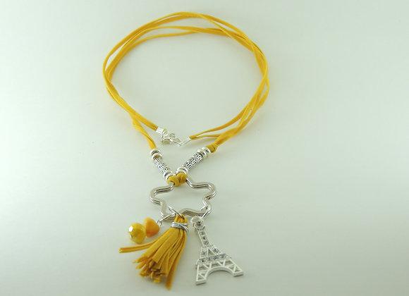 Collar con Doble Cinta Amarilla y Dijes