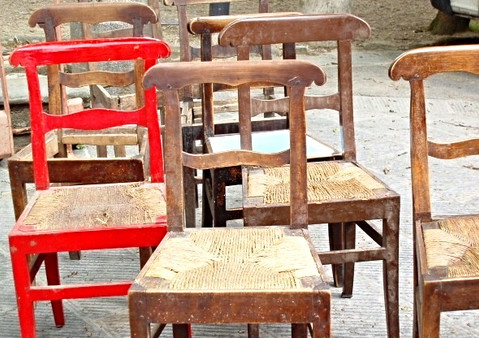 antique markets, love the one red chair~