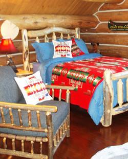 CADENET DESIGN - RUSTIC BEDROOM