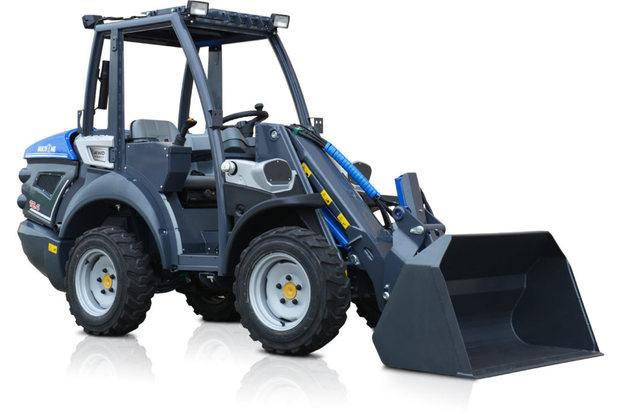 MultiOne-mini-loader-12-series-with-bucket_08-1030x688.jpg
