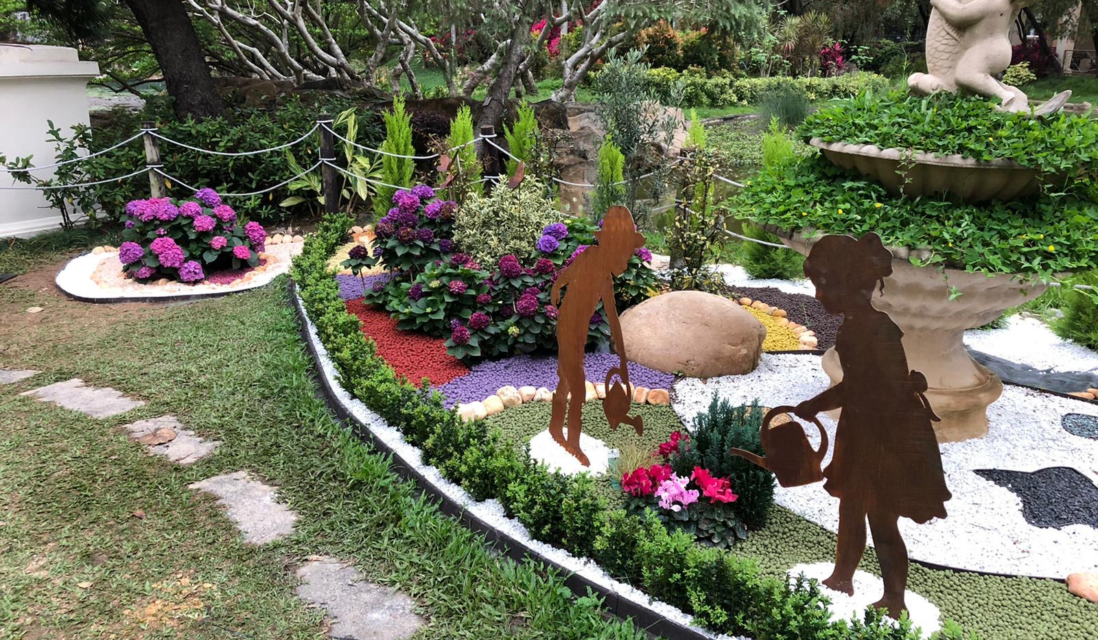 Caballo Living GardenDesign and Build 1.